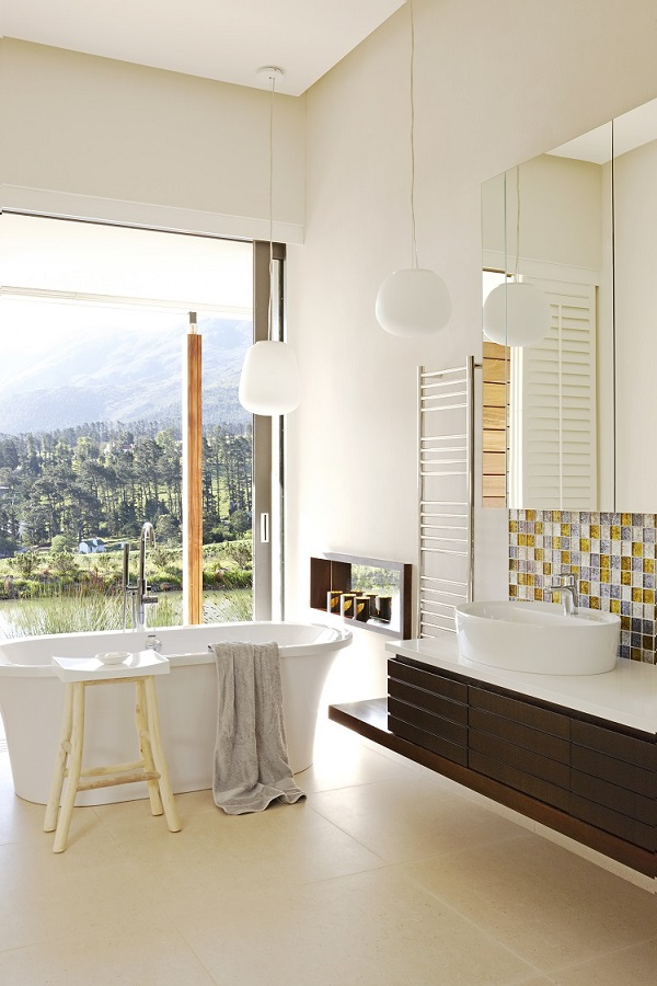 The bathroom mirror reflecting on the latest trends jeeves for Bathroom mirror trends 2016