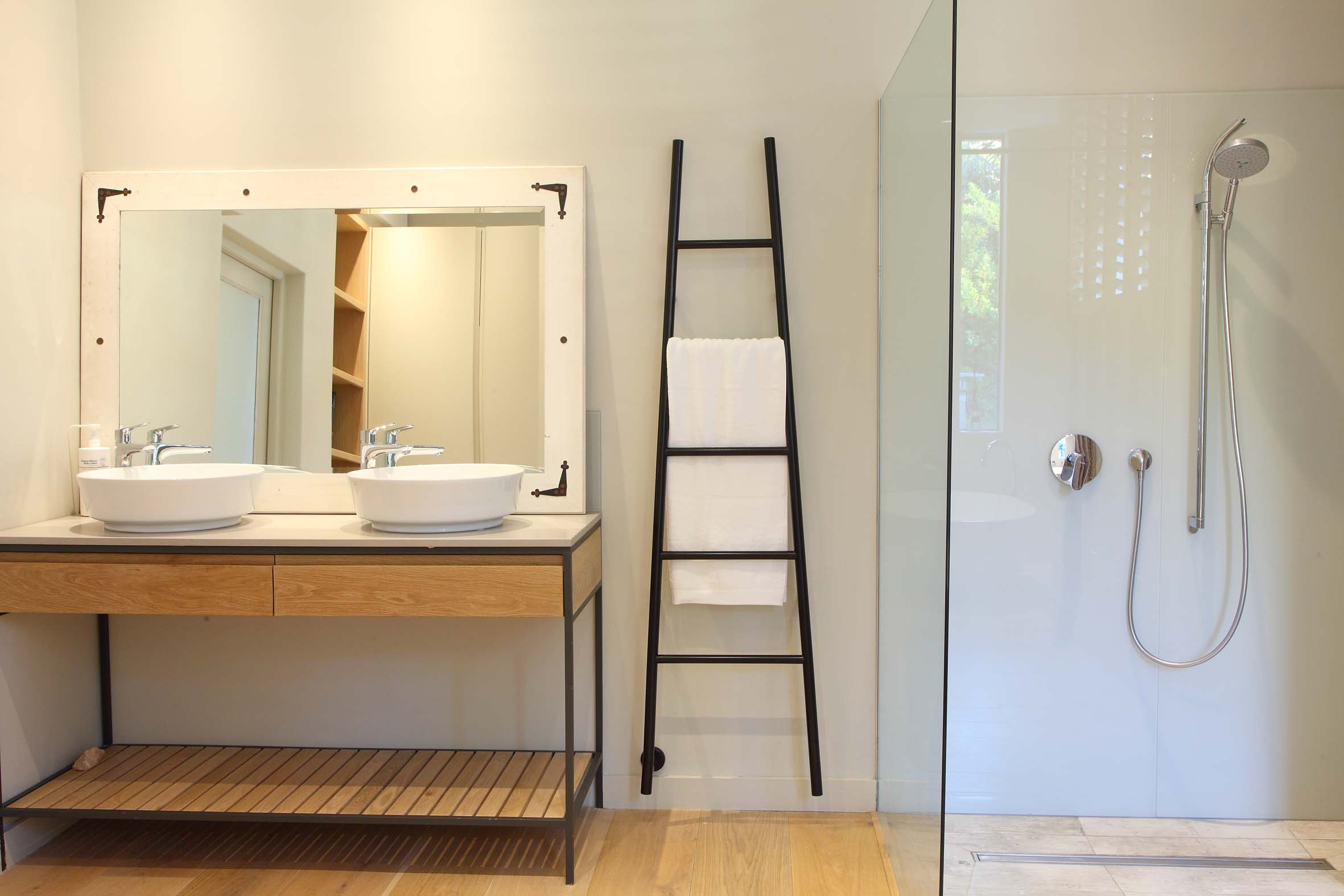 What To Consider When Ing A Heated Towel Rail