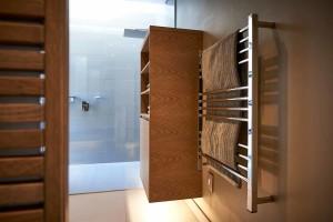 Jeeves Quadro P Heated Towel Rail (2)